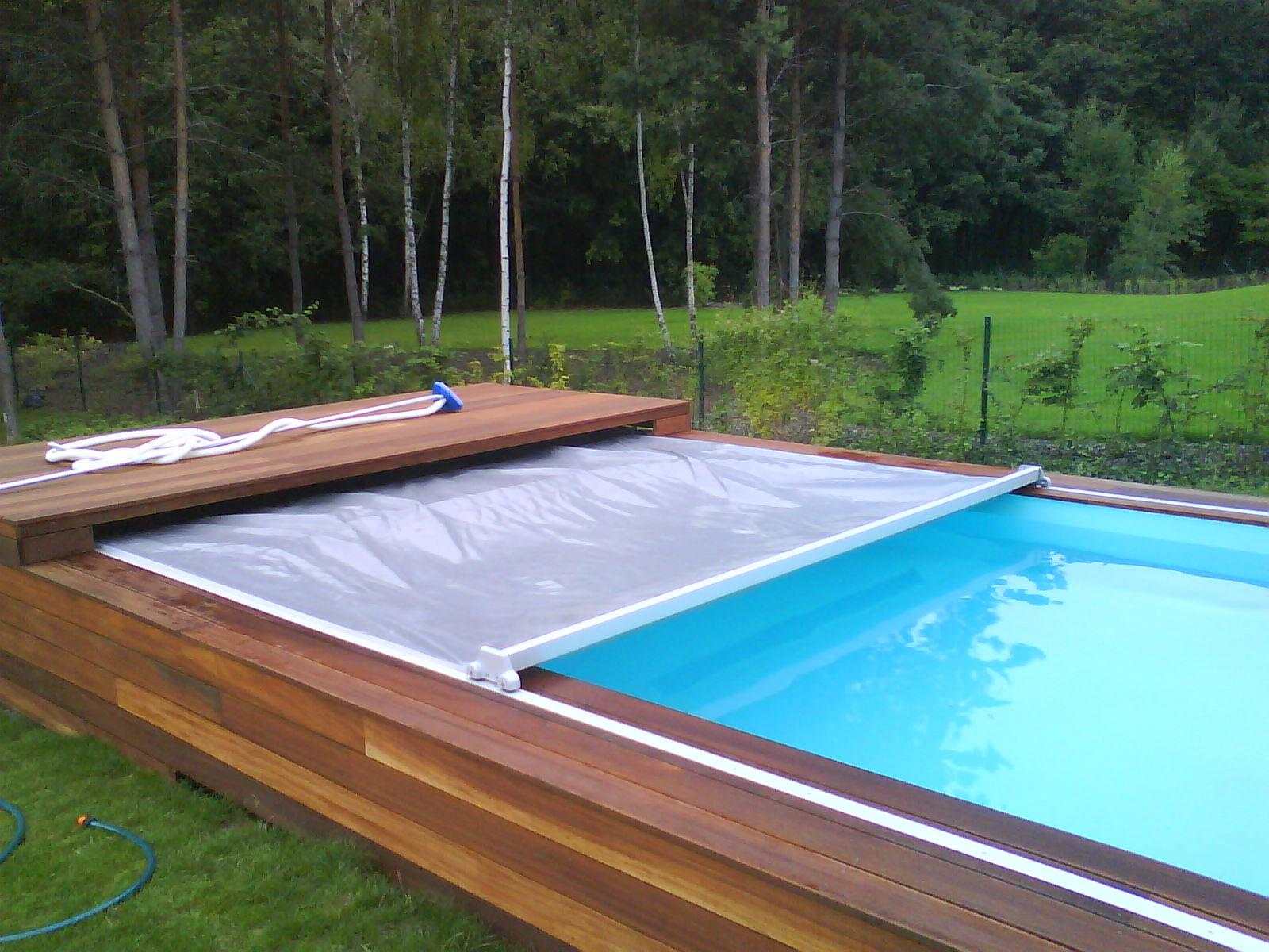 zakrytí bazénu mechanickou lachtou